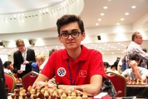 Vahap Şanal Dünya Şampiyonu Carlsen'i Yendi!